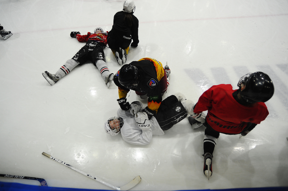 Многие девушки сначала были болельщицами мужской хоккейной команды «Северсталь», теперь мечтают сами играть за женскую сборную России, но отсутствие соперников тормозит развитие. Женских команд мало, команд, подходящих по возрасту и опыту, тоже почти нет — сражаться им пока не с кем