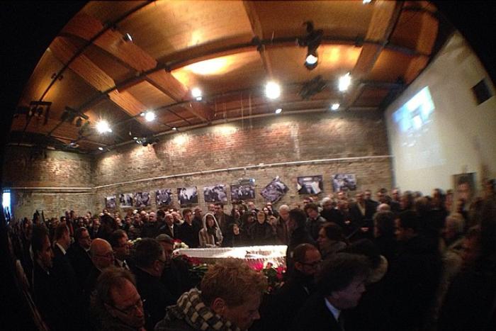 Прощание с Борисом Немцовым: фото и обсуждение в соцсетях