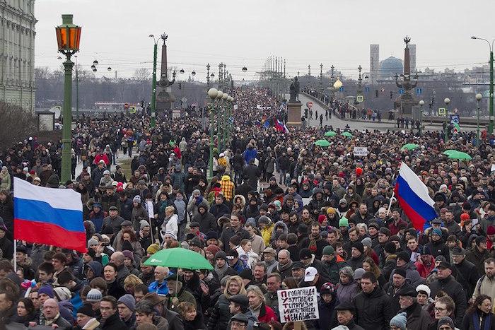 Как в Петербурге и Москве прошли протестные итраурные акции в память оБорисе Немцове