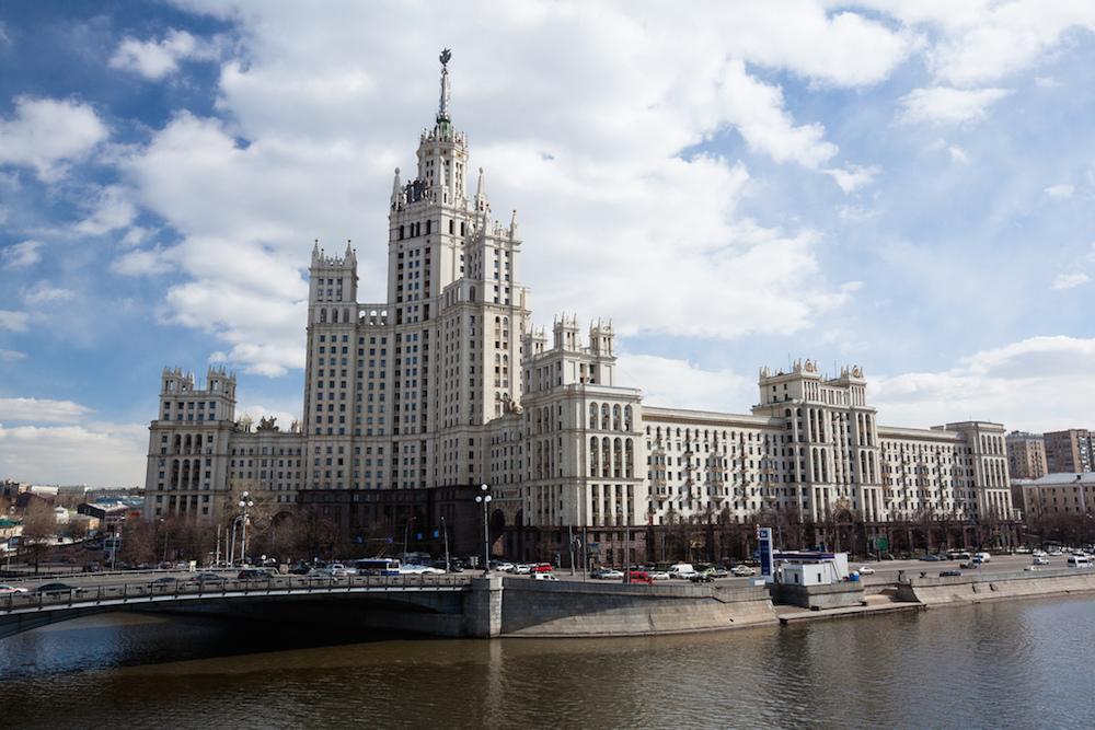 Короткое путешествие в Москву: где искать лучшие выставки и недорогие рестораны