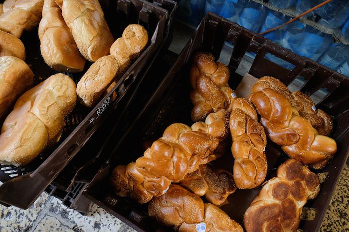 Где купить традиционный хлеб ивыпечку: семь лавок примонастырях ицерквях