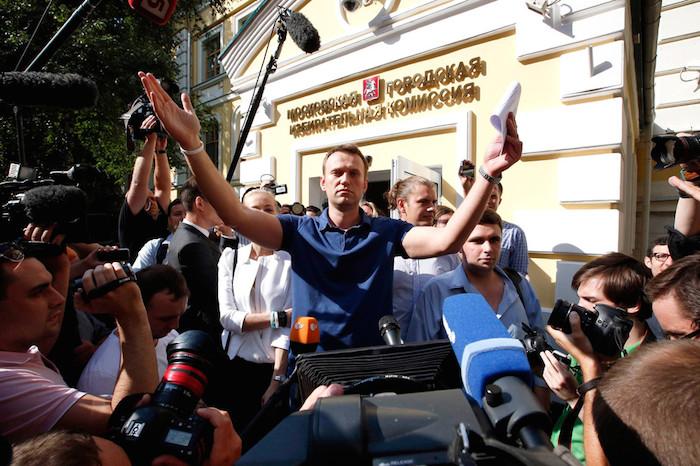 Как допрашивают петербуржцев, жертвовавших деньги на мэрскую кампанию Навального