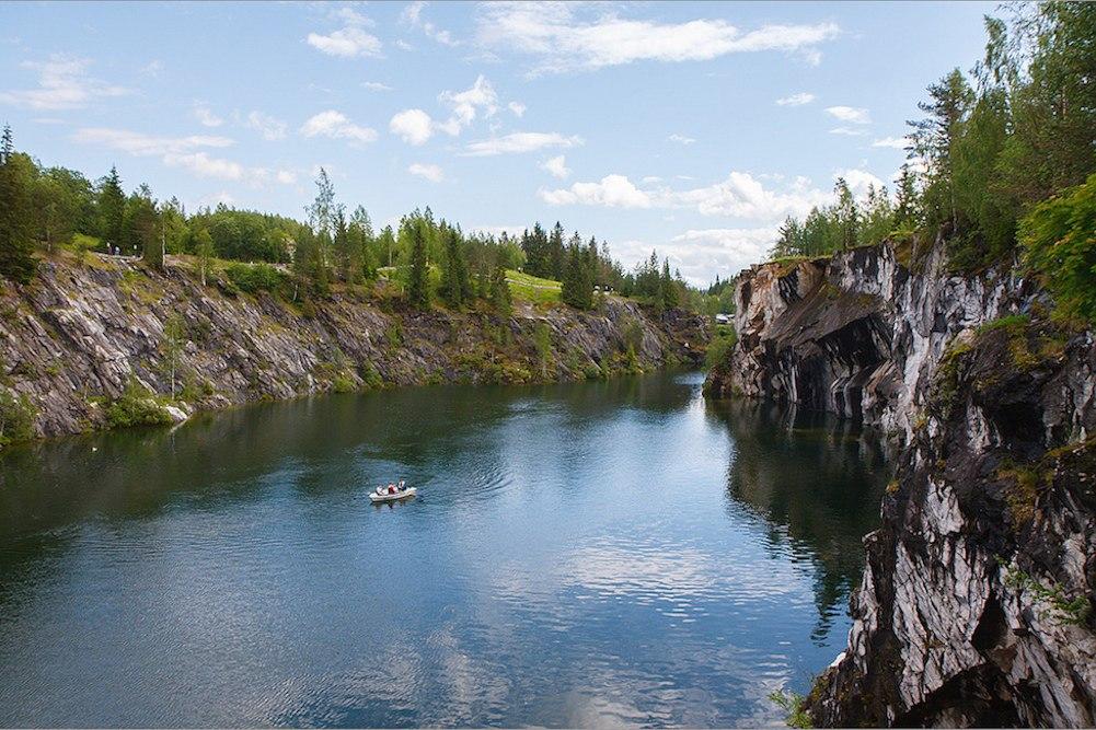 Путешествие по Карелии: грандиозный водопад, легендарные Кижи и знаменитые пирожки