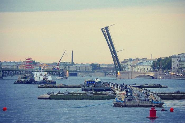 В Петербурге идет подготовка к «Алым парусам»: 12 фото из Instagram