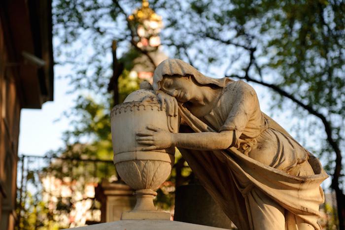 Как пахнет Некрополь, Петропавловская крепость иЭрмитаж: рассказывает парфюмер
