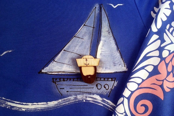 Десять брендов, которые производят особенные петербургские сувениры