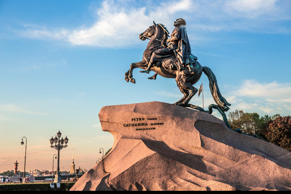 Знаменитые памятники россии