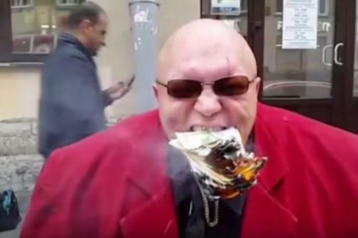 Угадайте, когда Стас Барецкий неразрывал банку пива зубами