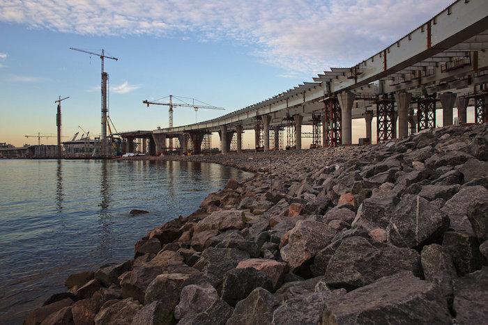 Как в Петербурге на высоте 50 метров строят скоростную дорогу: индустриальная фотоистория о ЗСД