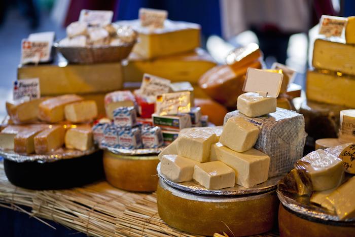 Рынок «санкционки»: как возят финский сыр и откатывают визу засчет контрабандистов