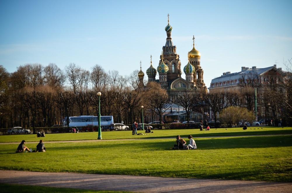 Петербург 100 лет назад: откуда на Марсовом взялись северные олени и роллеры