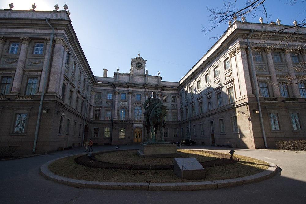 Петербург 100 лет назад: обитателиМраморного дворца