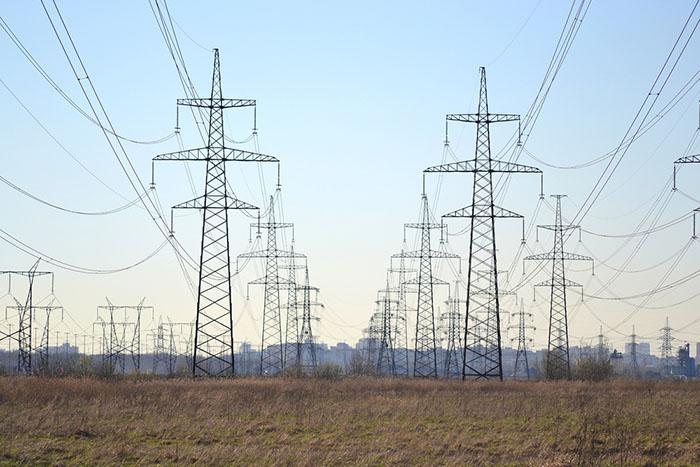 Эксперт по энергетике — о том, почему в Петербурге происходят блэкауты икак их избежать