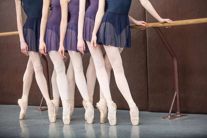 Десять петербургских школ растяжки и балета длянепрофессионалов