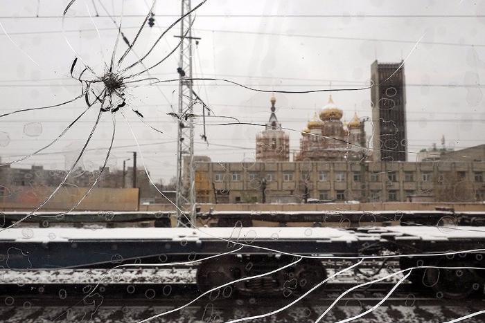 Быт смотрителя маяка и чтение в метро: лучшие фоторепортажи года на «Бумаге»