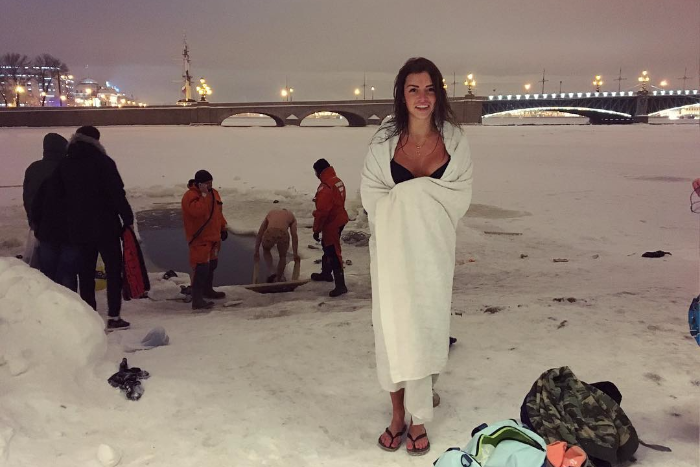 Как петербуржцы ныряют в прорубь наКрещение: 15 фотографий изInstagram