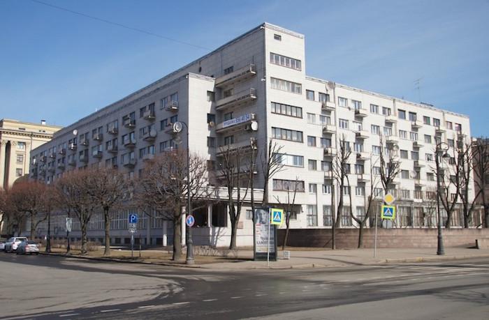 Дом-«книксен», псевдодом Петра I и жилье для жертв режима: три адреса на Петроградской стороне