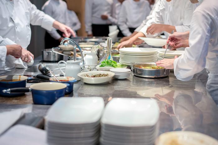 Десять кулинарных школ Петербурга, где учат готовить новичков и профессионалов