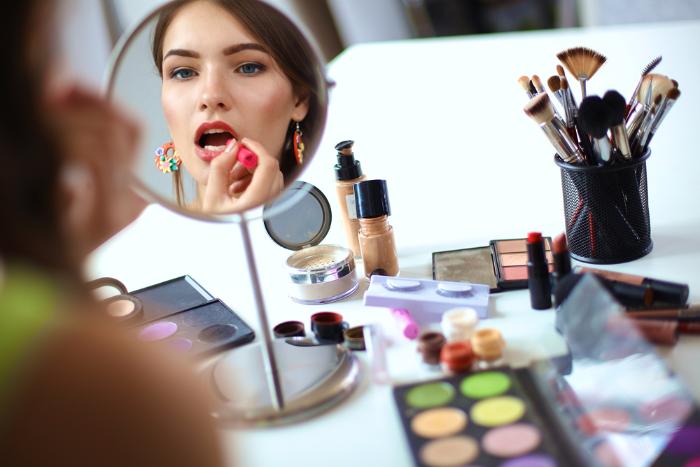 Петербурженки стали покупать больше косметики, чем до начала кризиса