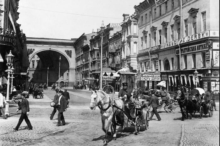 Петербург 100 лет назад: как Большая Морская стала улицей дляизбранных