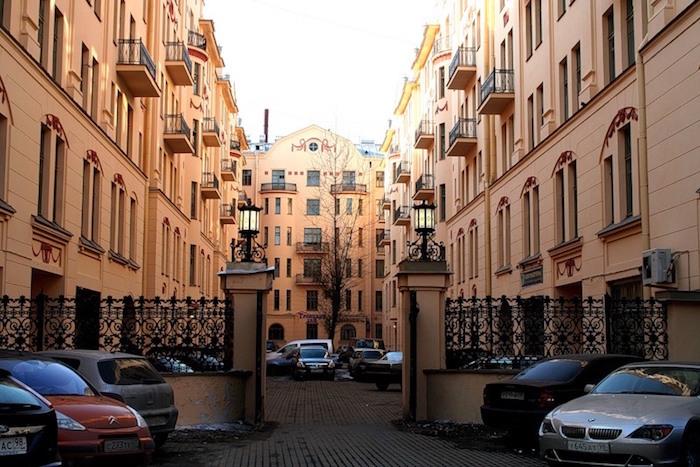 Дом Довлатова, «Слеза социализма», рок-клуб и «Сайгон»: четыре адреса на улице Рубинштейна иВладимирском проспекте