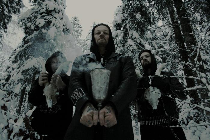 Солист блэк-метал группы пробил лоу-кик помощнику  Милонова в Пулкове