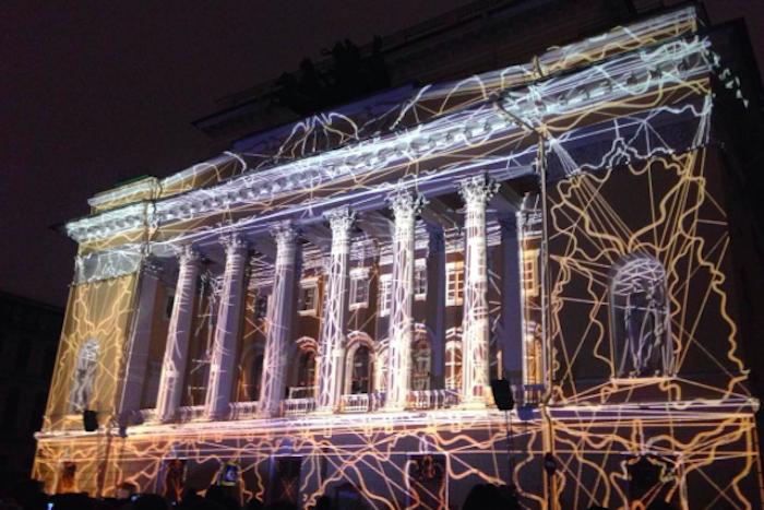 Как на Фестивале света заговорил памятник Екатерине II: десять видео с3D-мэппинга