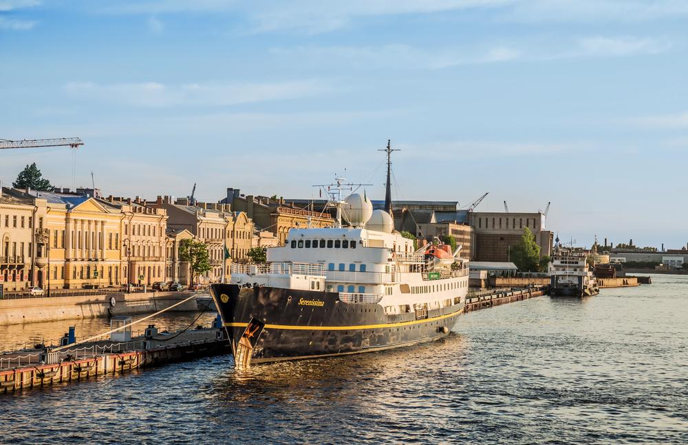 Петербург 100 лет назад: восемь пикантных любовных историй великих князей в особняках на Английской набережной