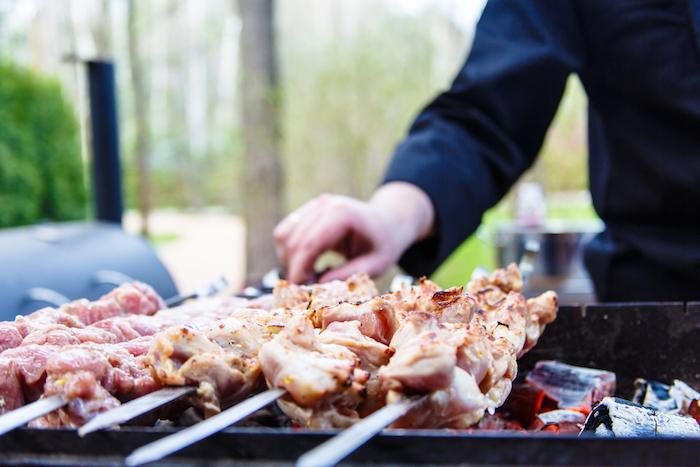 Как мариновать мясо для шашлыка: рассказывают петербургские рестораторы
