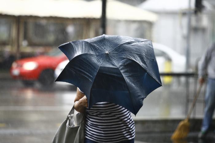 МЧС предупредило петербуржцев о надвигающемся ливне