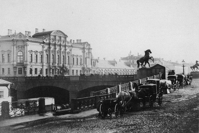 Чем пах и как звучал Петербург в старину