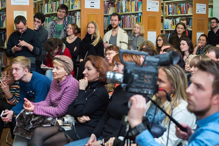В библиотеку имени Маяковского пришли с обысками перед началом «Диалогов»