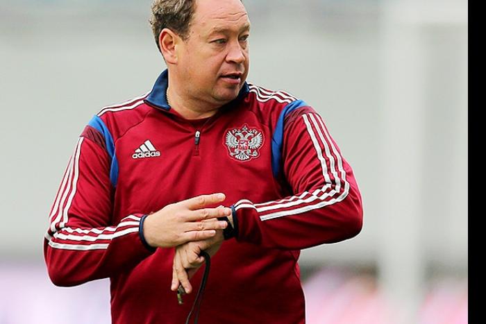 Главный тренер сборной России Леонид Слуцкий ушел в отставку