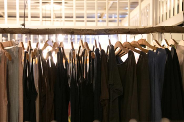 AdVita проведет благотворительную распродажу дизайнерской одежды