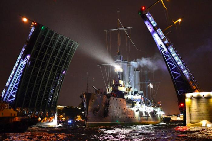 Посетители смогут подняться на борт отреставрированного крейсера «Аврора» после Дня ВМФ