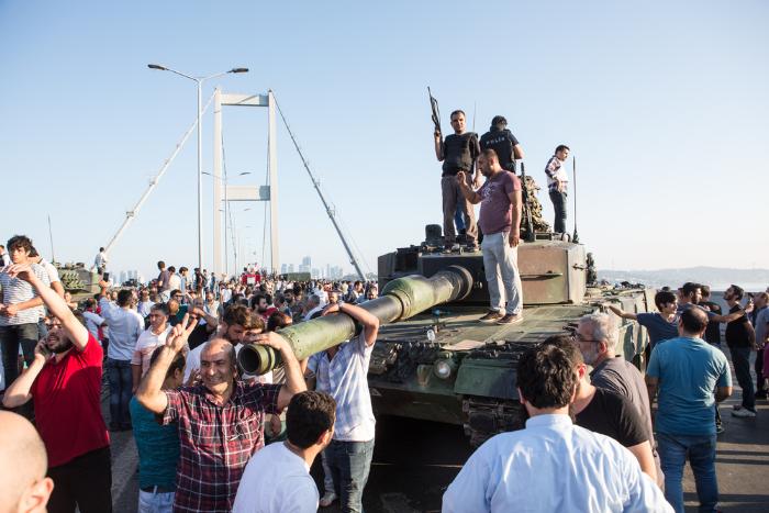 Директор Центра изучения современной Турции — опоследствиях переворота инастроениях в турецком обществе