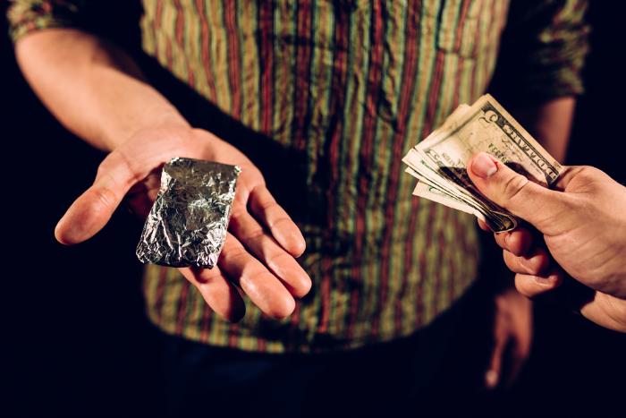 «Рано или поздно всё равно поймают»: как в Петербурге продаютипокупают наркотики черезинтернет