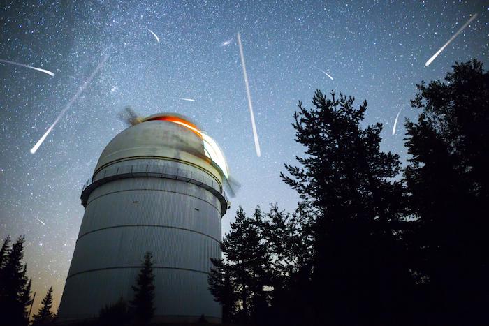 В Петербурге можно будет увидеть мощный звездный дождь невооруженным глазом