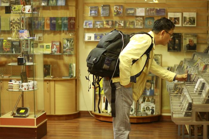 Как выживают торговцы CD икто еще готов платить за музыку надисках