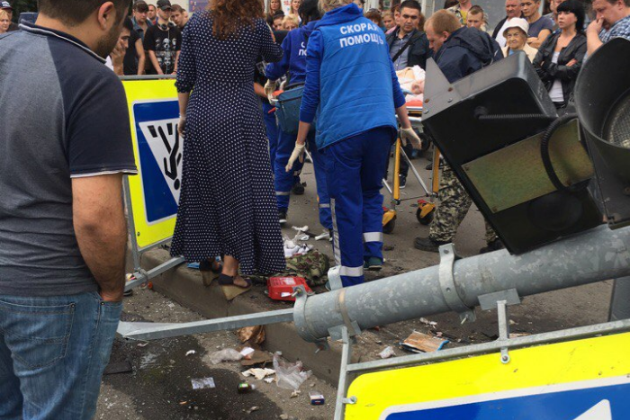 На севере Петербурга иномарка вылетела на тротуар и сбила пенсионерку