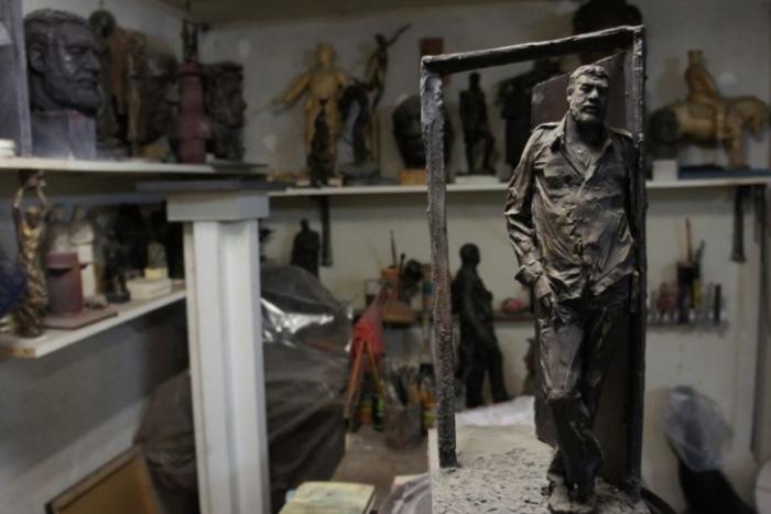Памятник Сергею Довлатову установят во дворе дома на Рубинштейна, 23
