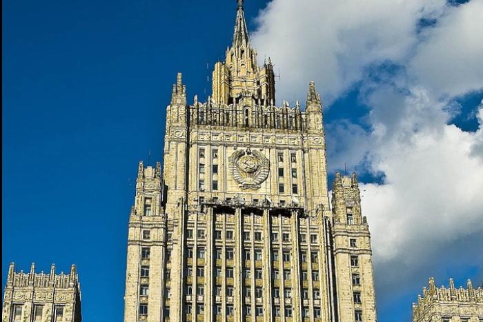 МИД РФ предупредил находящихся за границей россиян о возможных нападениях