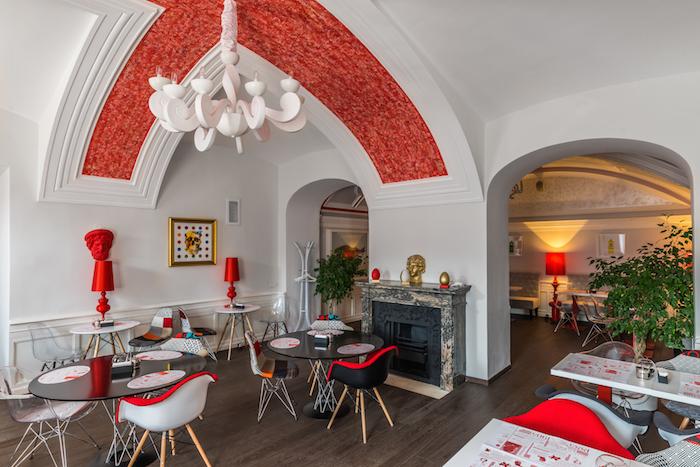 Десять кафе при музеях: отлюбимых блюд Карла Фаберже добургеров в Эрмитаже