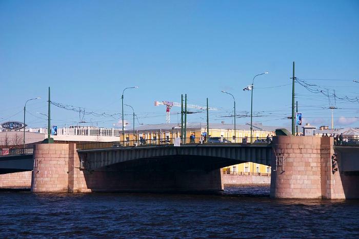 Ремонт Тучкова моста завершится раньше намеченного срока