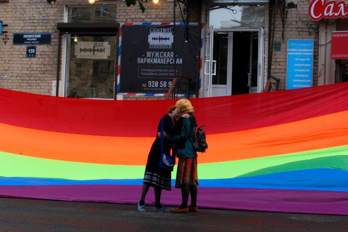 После лекций о гомофобии с сайта барбершопа исчезло заявление об отказе стричь гомосексуалов