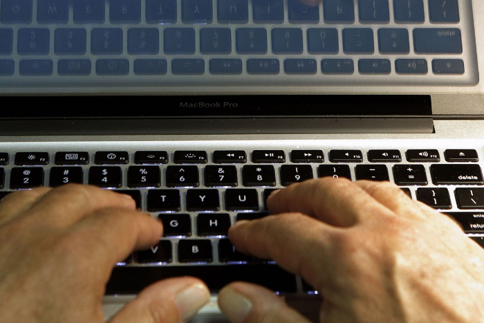 Профессии, которые ненавидят: спамер в соцсетях