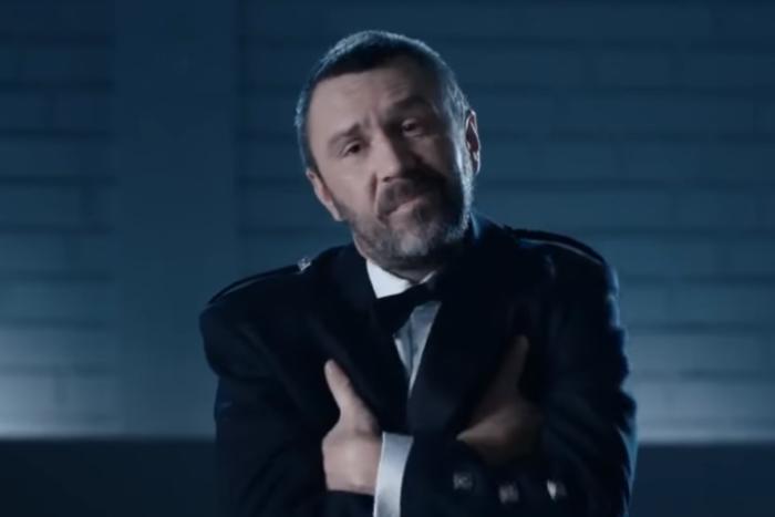Православные активисты попросили Первый канал уволить Шнурова из шоу «Про любовь»
