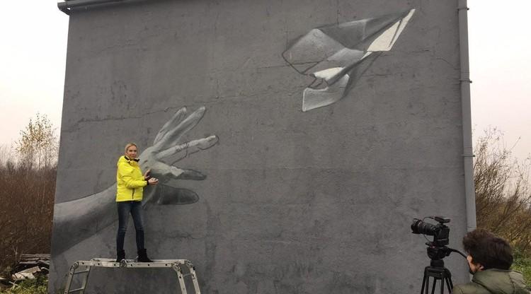 Около «Пулково» создали граффити впамять ожертвах крушения А321