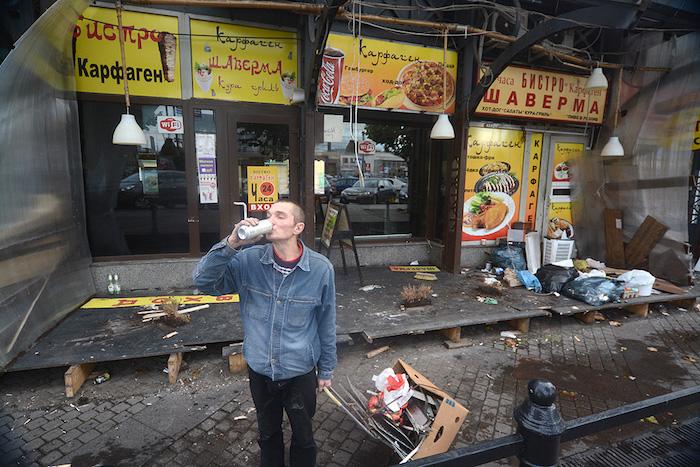 Как разрушали «Карфаген»: фото демонтажа кафе сшавермой наСенной площади
