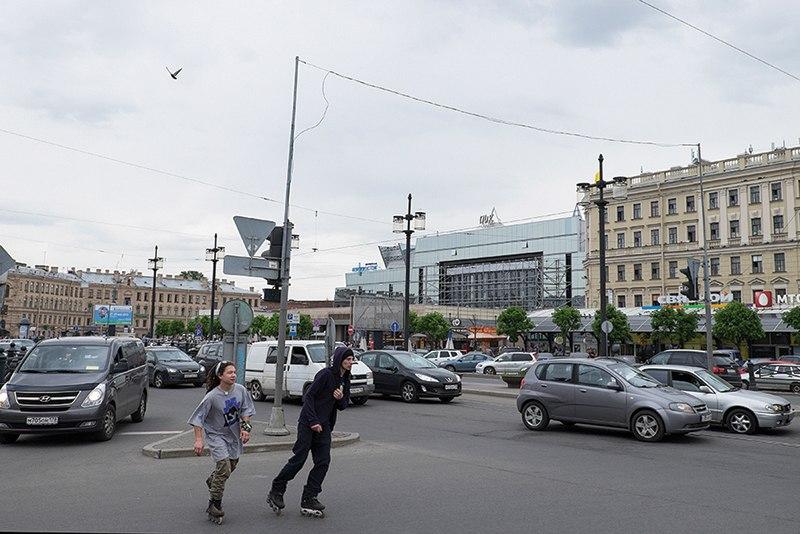 «Нет ни малейшего шанса, что имидж Сенной площади изменится»: историк Лев Лурье — о будущем «городской клоаки»